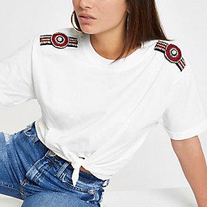 RI Petite - Wit T-shirt met verfraaide schouders