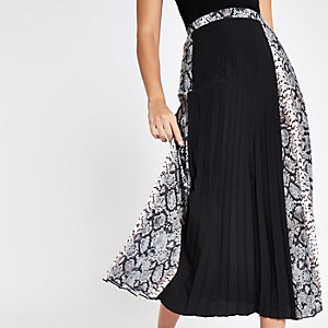 Black block snake print pleated midi skirt