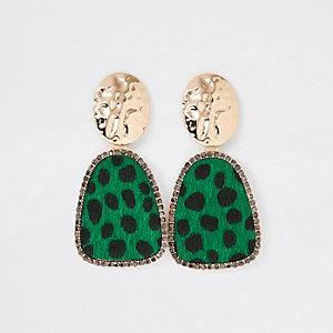 Pendants d'oreilles dorés à motif léopard vert