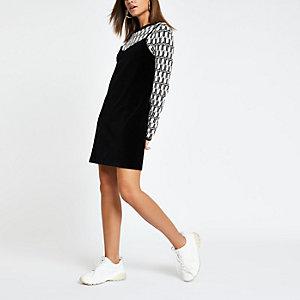 Schwarzes Cord-Kleid