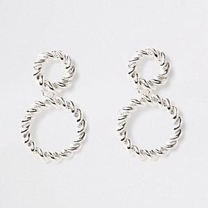 Pendants d'oreilles argentés à anneaux torsadés