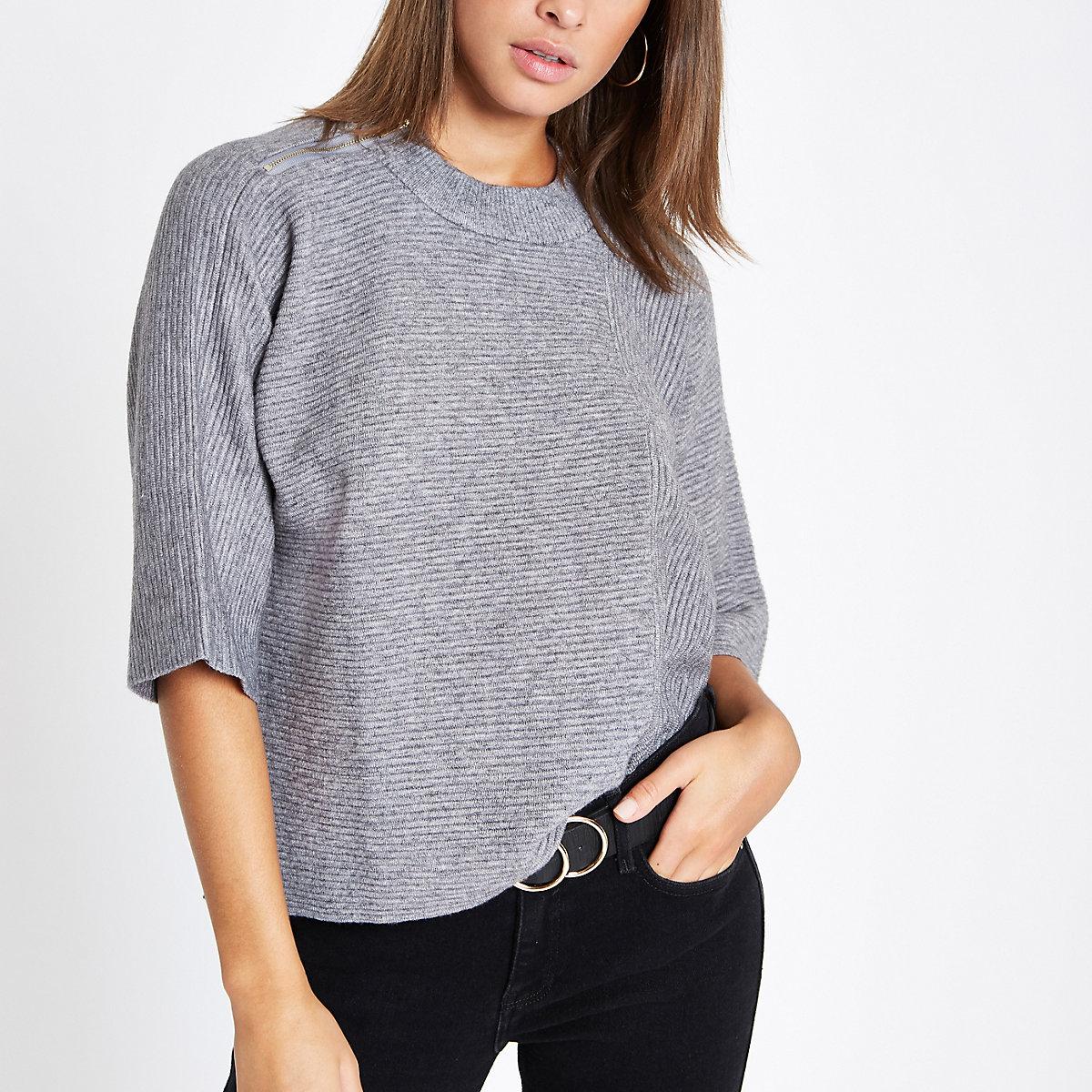Grey flare sleeve knit T-shirt
