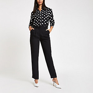 Black D ring belt peg leg trousers