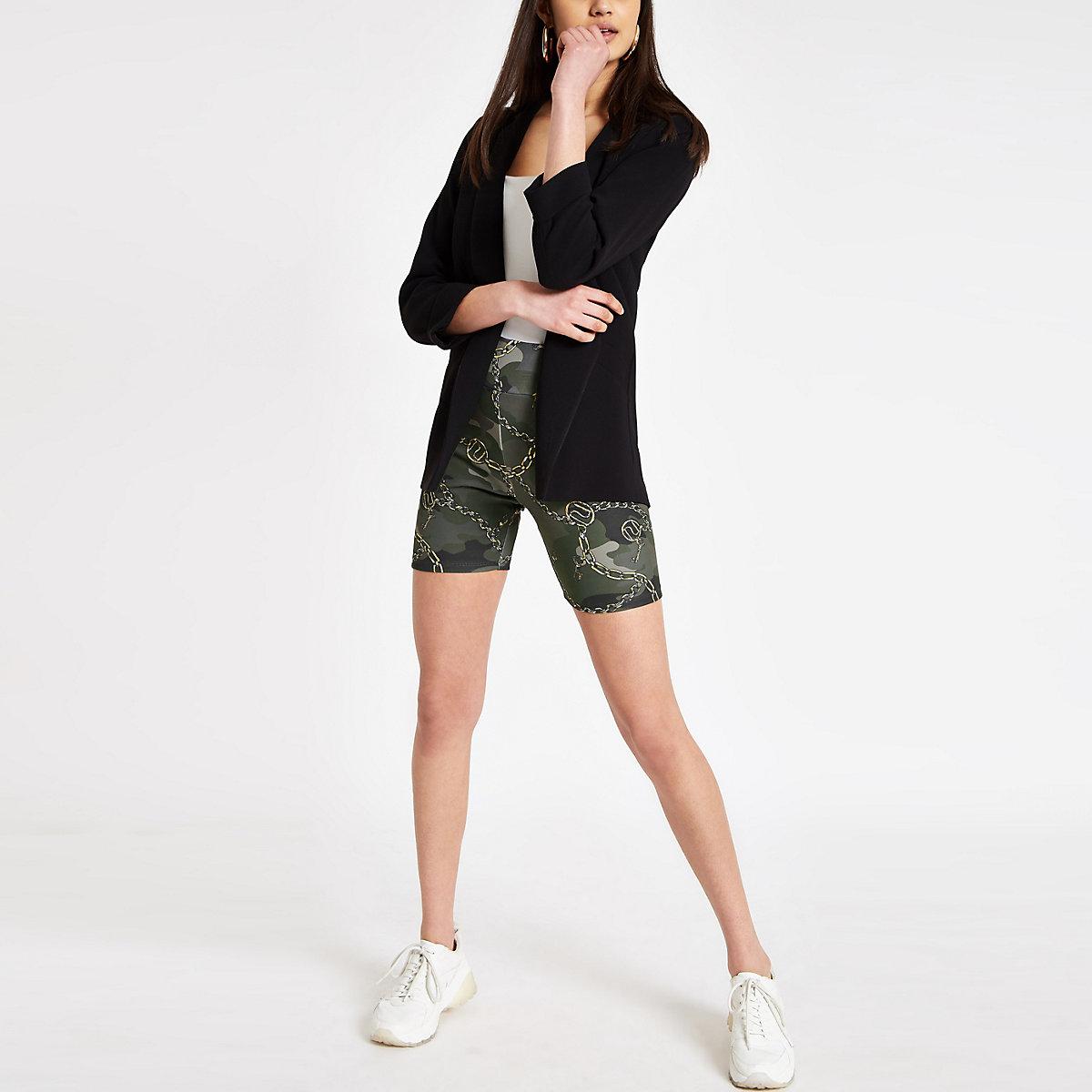 Short cycliste à imprimé camouflage kaki - Shorts casual - Shorts ... 33372cad8a6