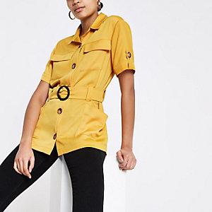 Chemise utilitaire jaune à taille ceinturée
