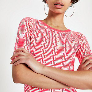 Neon pink geo print knitted T-shirt