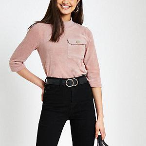 T-shirt rose avec poche poitrine en velours côtelé