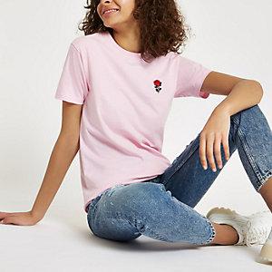 Roze T-shirt met geborduurde roos