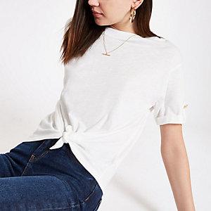 T-shirt blanc noué devant
