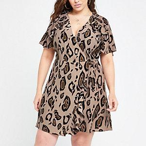 RI Plus - Bruine jurk met luipaardprint