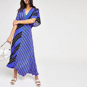Robe rayée bleue à ourlet asymétrique