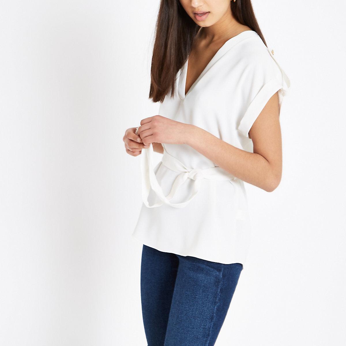 White tie waist V neck blouse