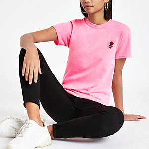 T-Shirt in Neonpink mit Rosenstickerei