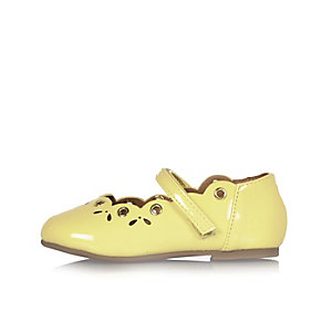 Mini girls yellow ballerina shoes