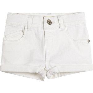 Short en jean blanc à revers mini fille