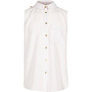 Girls white sleeveless shirt