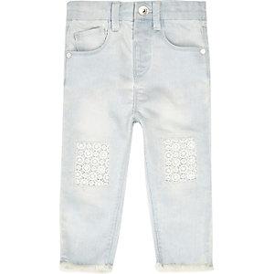 Gehaakte jeans met lichtblauwe wassing voor mini girls