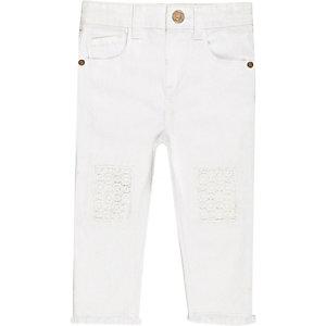Witte jeans met gehaakte details voor mini girls