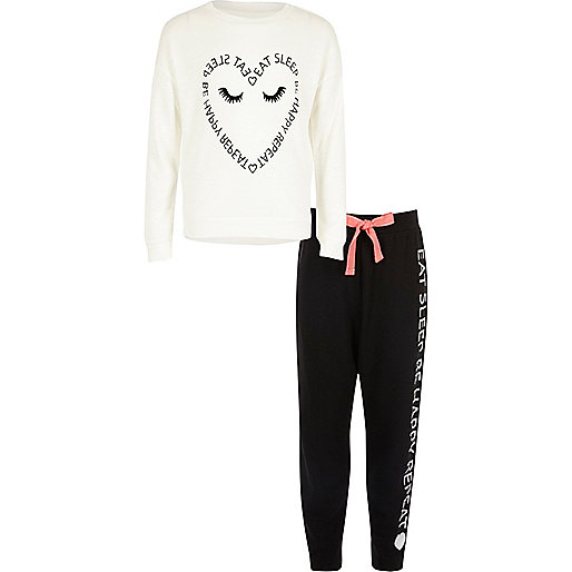 Girls cream heart print pyjama set
