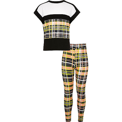 Girls yellow check T-shirt leggings outfit