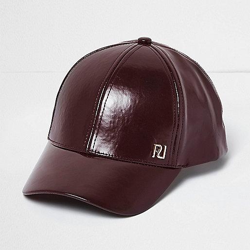 Girls berry patent cap