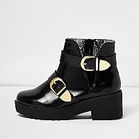Girls black clumpy double buckle boot