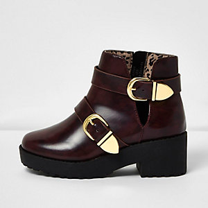 Girls burgundy clumpy double buckle boots