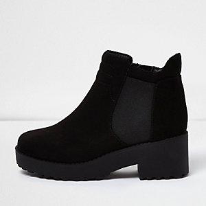 Grosses bottines noires pour fille