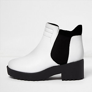 Girls white clumpy ankle boots