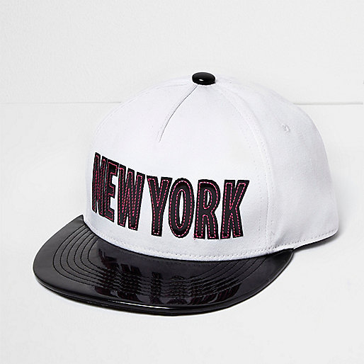 Casquette New York blanche vernie pour fille