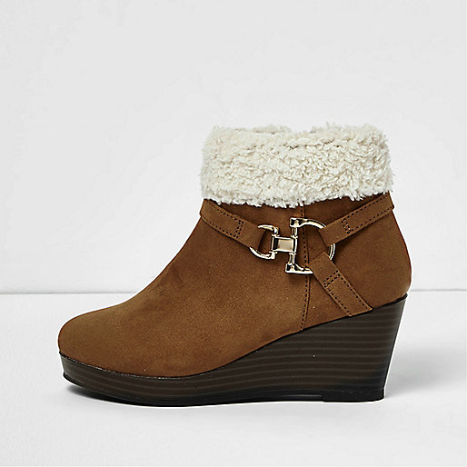 Girls brown fleece trim ankle wedge boots