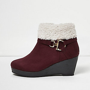 Girls burgundy fleece trim ankle wedge boots