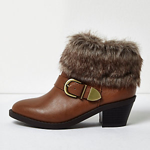 Girls brown western faux fur cuff boots