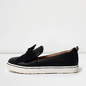Girls black suede bow plimsolls