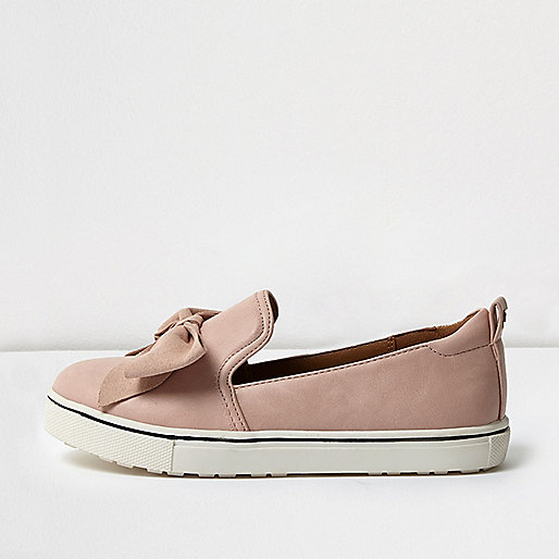 Girls pink suede bow plimsolls