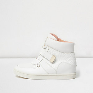 Girls white gold tone wedge trainer