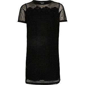 Schwarzes T-Shirt-Kleid aus Netzstoff
