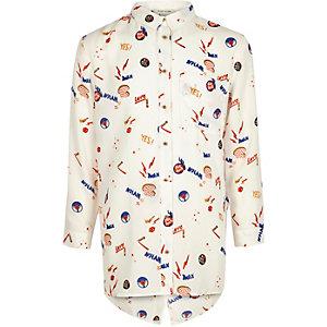 Weißes, bedrucktes Hemd