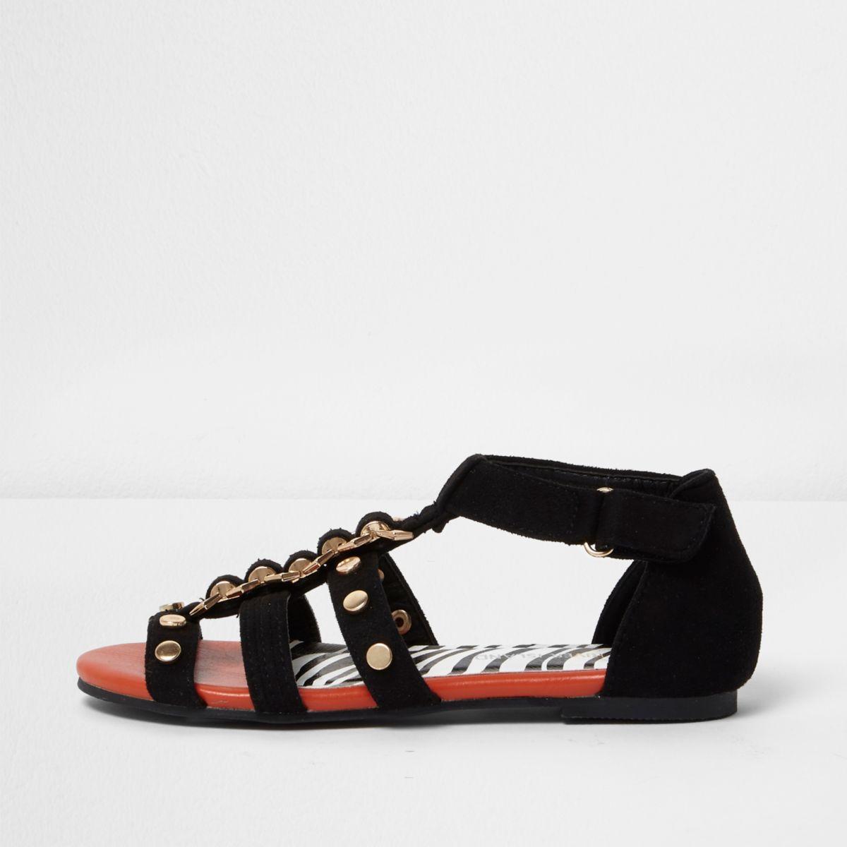 Schwarze, flache Sandalen mit Nietenverzierung