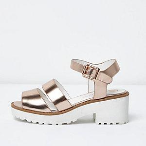 Klobige Sandalen in Roségold-Metallic