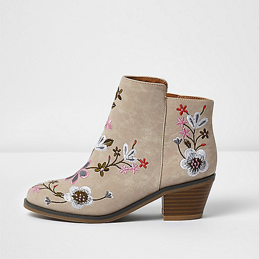 Girls cream embroidered ankle boots