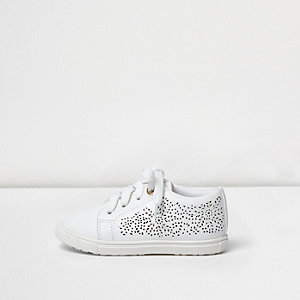 Mini girls white floral laser cut plimsolls