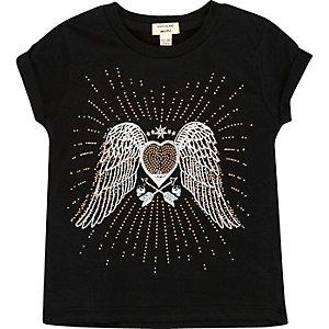 Schwarzes T-Shirt mit Nietenverzierung und Engelsflügeln