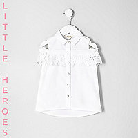 Mini girls white crochet cold shoulder shirt