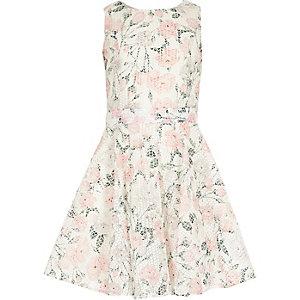 Robe de bal blanche à fleurs pour fille