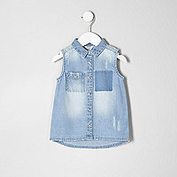 Mini girls blue distressed sleeveless shirt