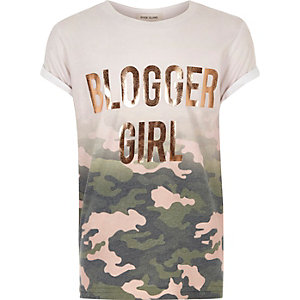 T-Shirt mit Camouflage-Muster in Pink-Metallic