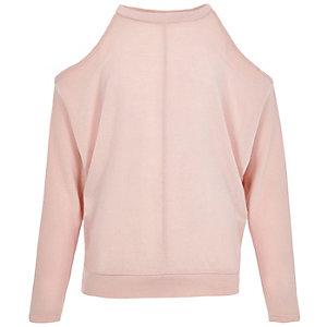 Pinker Pullover mit Schulterausschnitten