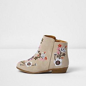 Mini girls cream embroidered ankle boots