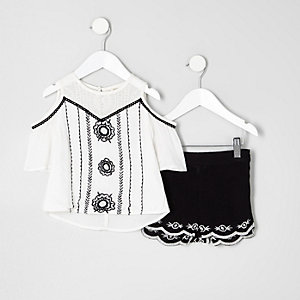 Mini girls white embroidered top outfit